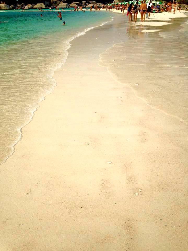 koh nangyuan beach