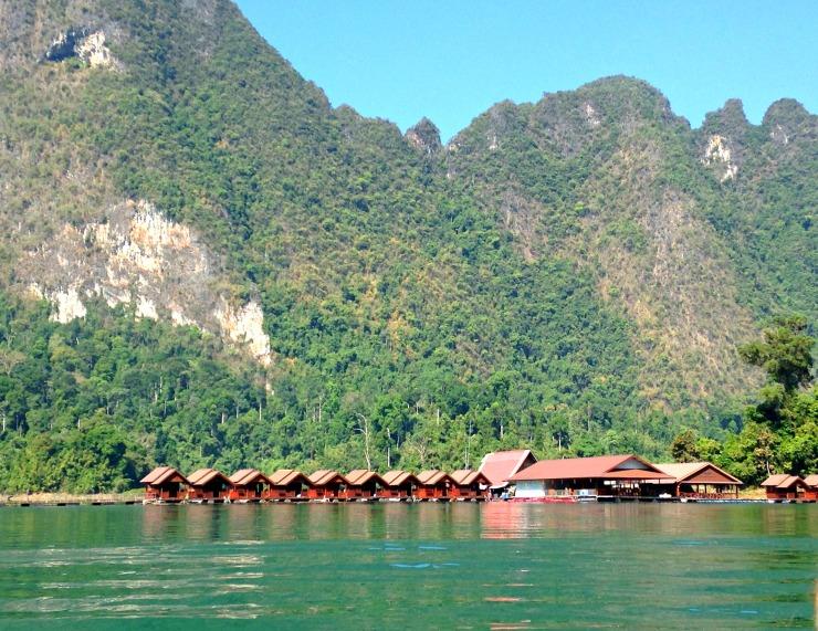 lake bungalow