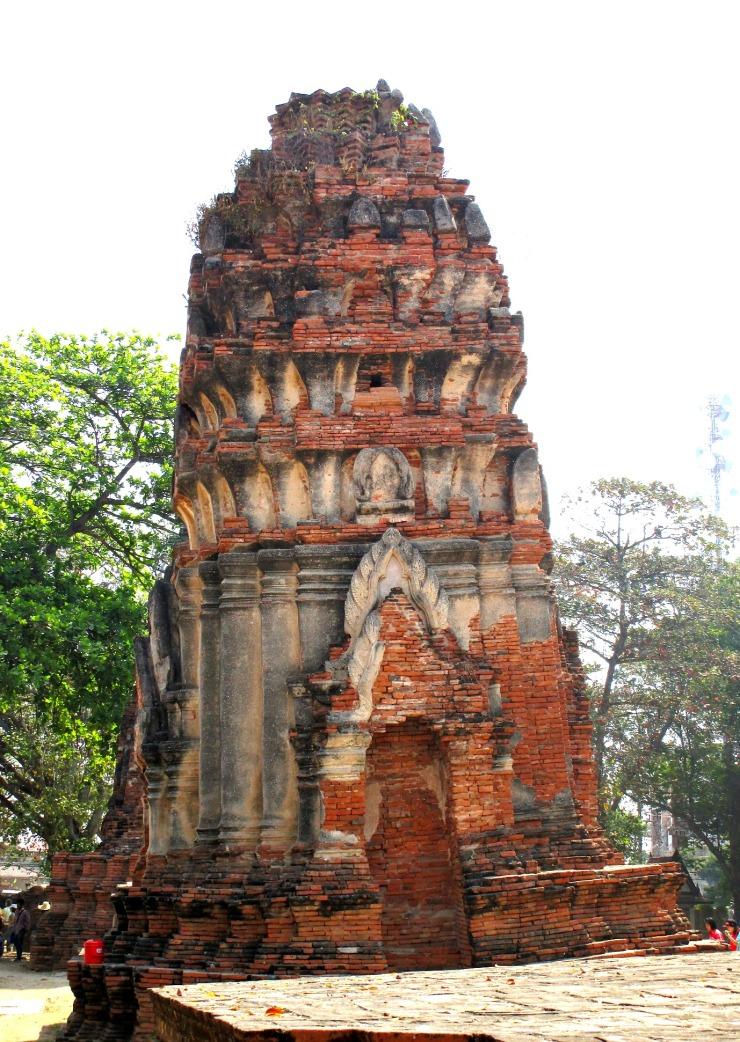 Ayutthaya leaning pagoda